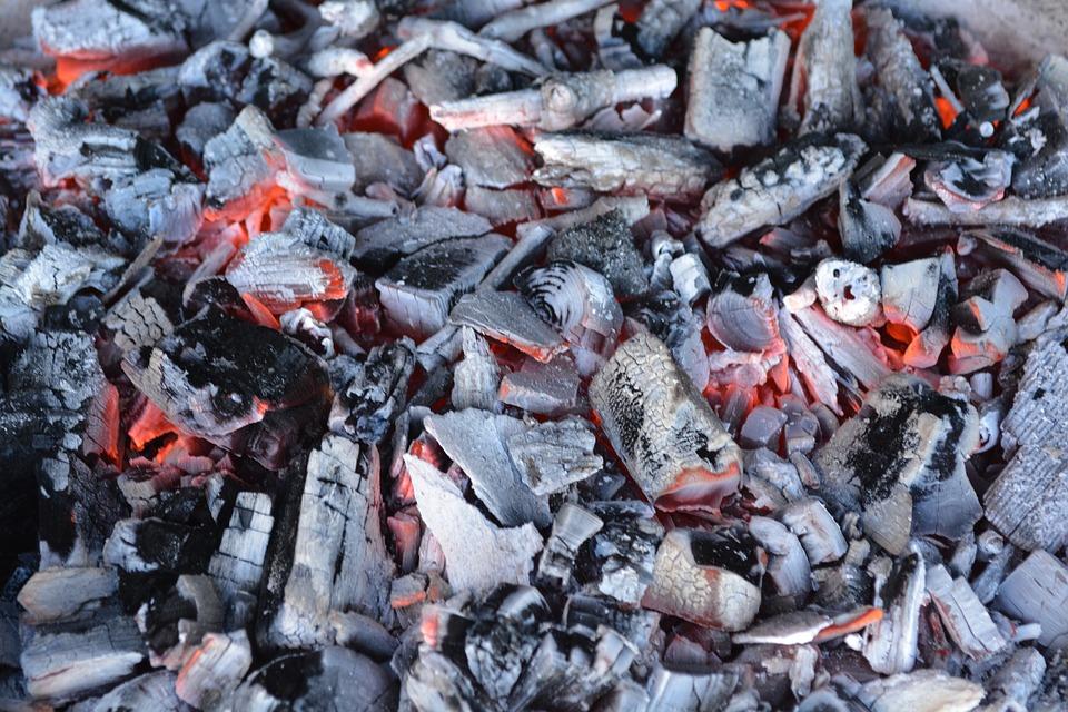 verschillende soorten houtskool