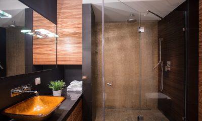 donkere badkamer