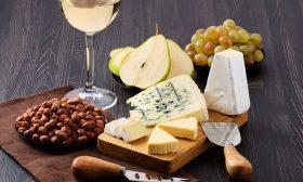 borrelplankje en wijn