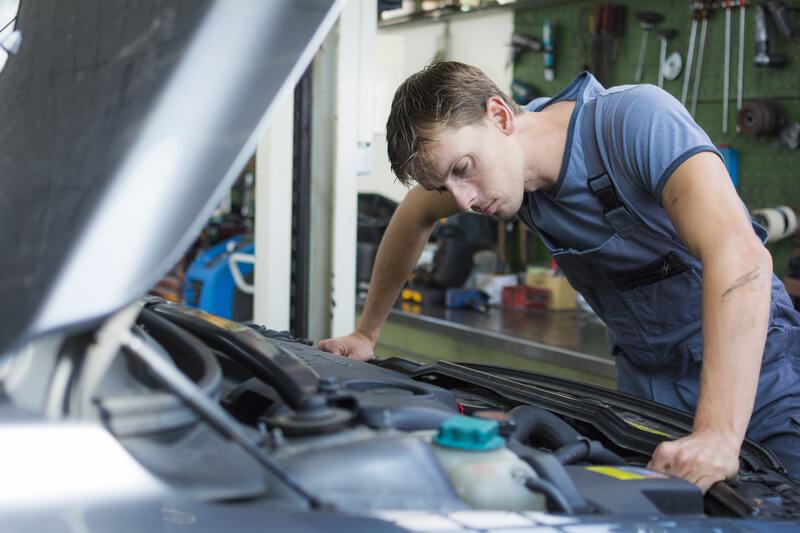 zelf je auto repareren